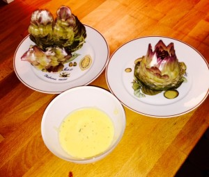 Artichocks with Sauce Hollandaise